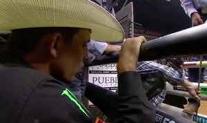 jb mauney watching hayes